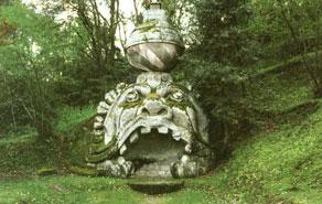 Statue e sculture da simboli a ornamenti - Alberi adatti per viali ...